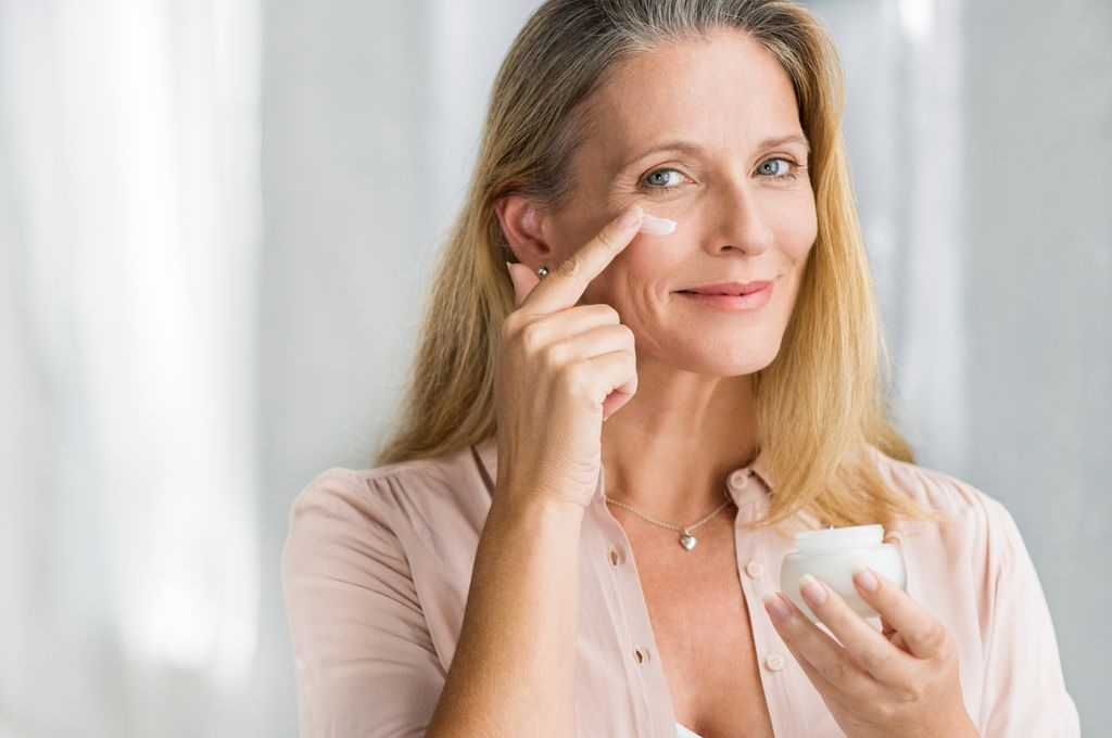 Top 6 Best Face Creams for Older Women in 2020